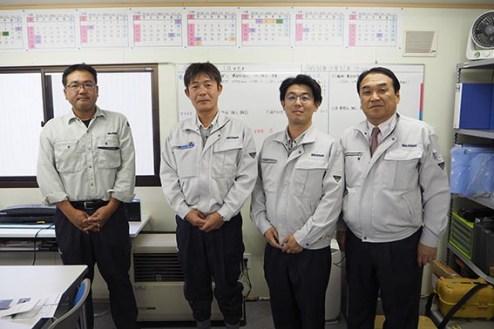 左から、石澤さん、油谷さん、丹波さん、中山社長