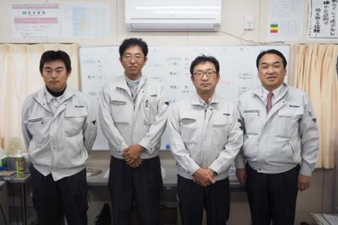 左から大坪さん、佐藤さん、筒井さん、中山社長