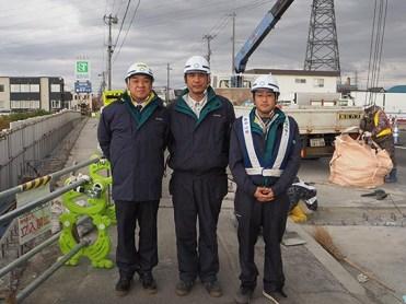 左から中山社長、政田さん、松永所長