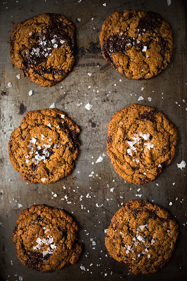 Chewy-Dark-Chocolate-Chunk-Cookies-from-Slim-Palate