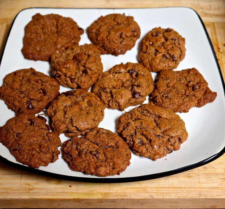 chewy-dark-chocolate-chunk-cookies-with-sea-salt/