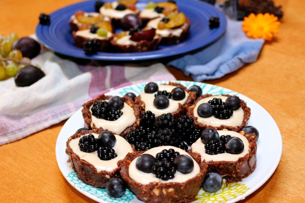 cookies and cream tarts with fall fruits