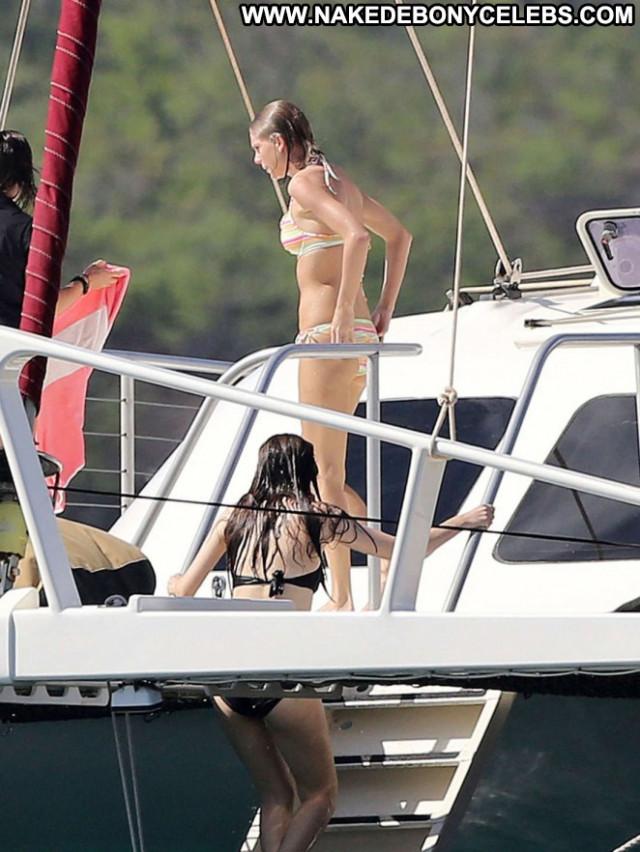 Taylor Swift Celebrity Paparazzi Posing Hot Beautiful Babe Bikini Hd