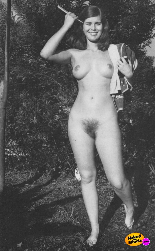 Retro nudist pics  NakedOnTheStreetscom