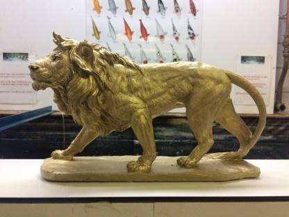 leeuw sluipend
