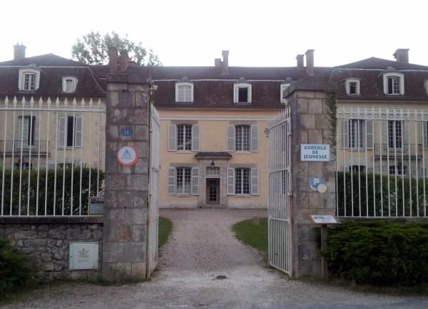 Eingang des Chateau des Seigneurs du Canal