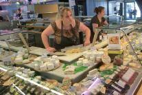 Käse und Wein in der Markthalle Troyes