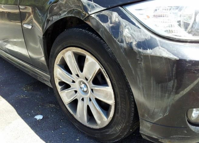 Unfall, Kotflügel des BMW