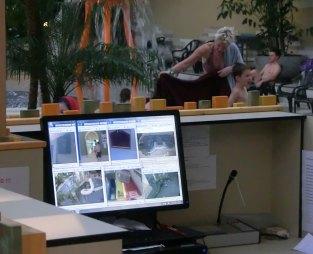 Überwachungsbildschirm