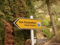 Wegweiser zur Finca Son Escanelles