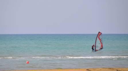 Windsurfer am Strand