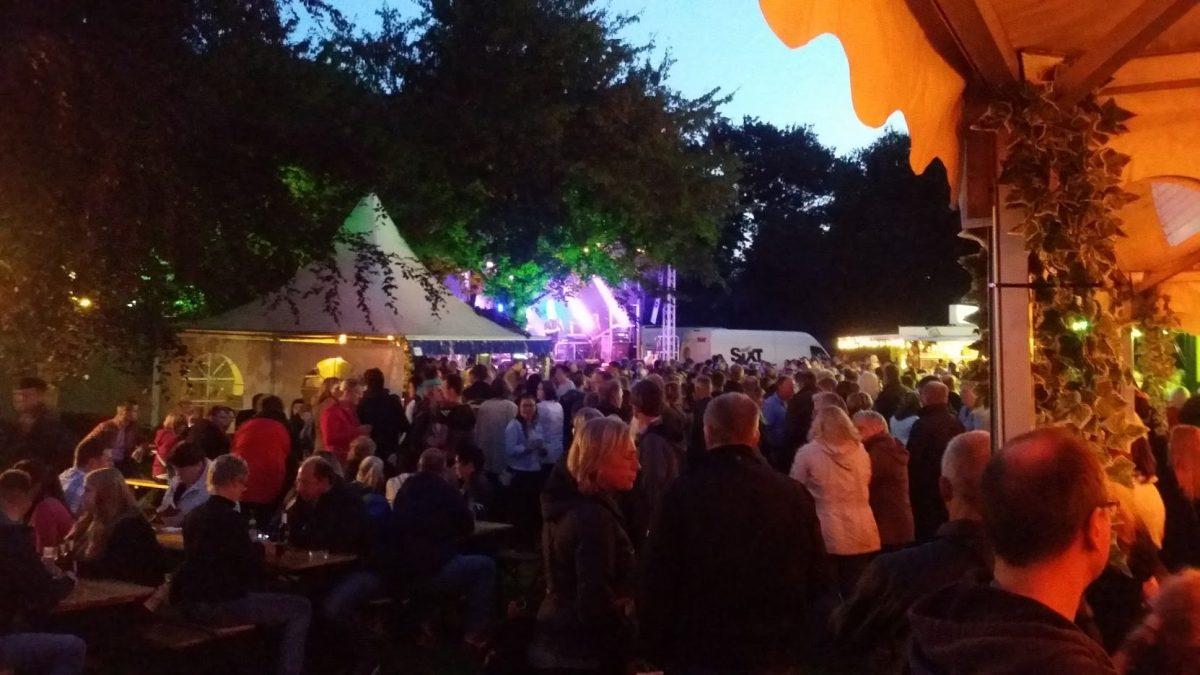 See in Flammen - die große Party am Badesee in Tannenhausen