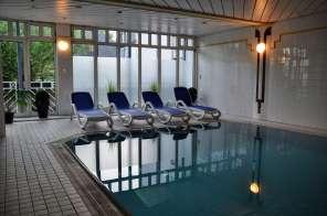 Schwimmbad im Hotel Traube