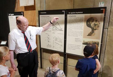 Tour durch Wissenschaft und Geschichte