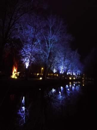 Park Schloss Gödens am Abend