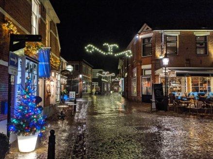Weihnachtsdeko am Platz in Ootmarsum
