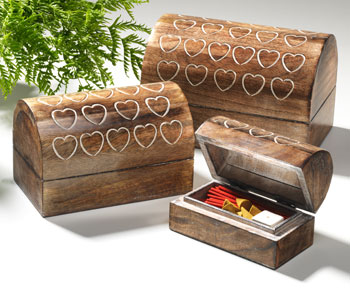 Set of 3 wooden domed boxes with hearts
