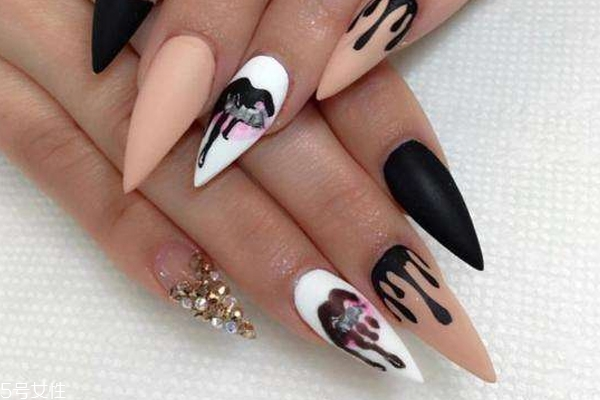 how does pointed nails