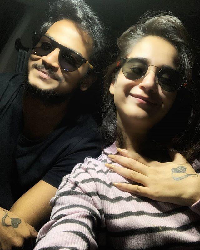 Shanmukh Jaswanth with his girlfriend Deepthi Sunaina
