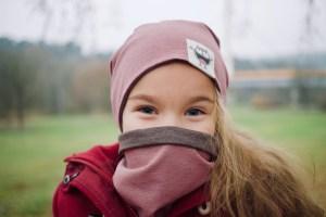 Mergaitiška rudeninė kepurė 'DVI VIENOJE' Rausva/Ruda