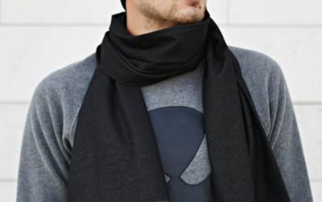 Rudeninis trikotažinis šalikas - mėlynas arba juodas