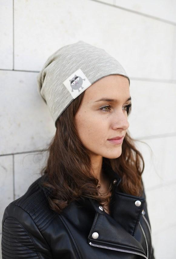 BEANIE tipo dvipusė kepurė rudeniui su nuotaikomis Kreminė/Pilka