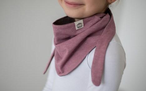 Kaklaskarė mergaitei rožinė-ruda