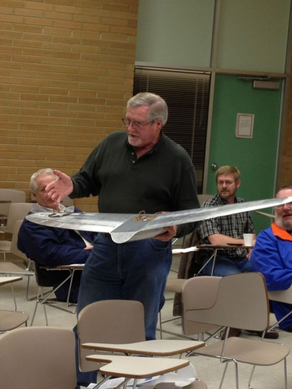 Andy showing the group how he uses flight metal on a wing