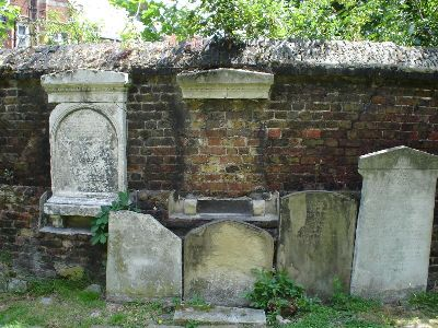 Graves at St. Giles' Church, Camberwell