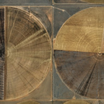 Edward Burtynsky: Pivot Irrigation #7, 2011 Source