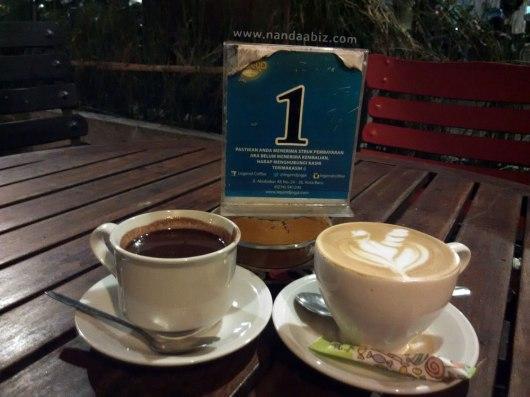 Hot Chocolate dan Hazelnut Latte