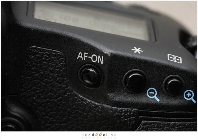 De AF-ON knop op een Canon camera.