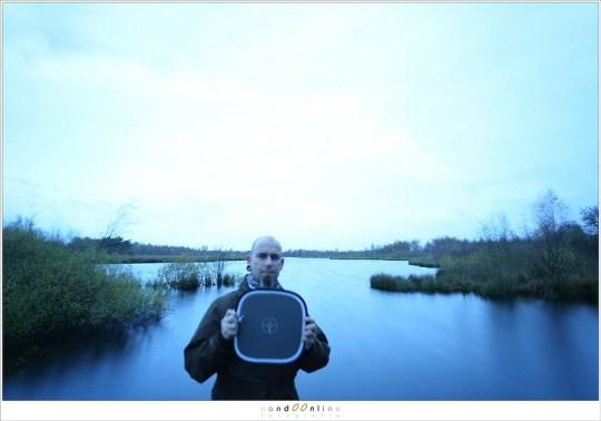 Foto voor de witbalans correctie, mèt grijskaart.<br />ISO100 - f/4 - 8sec