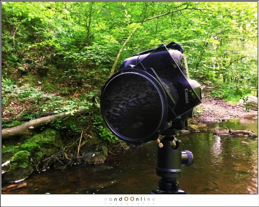 De Lee Fountation filterhouder, voorzien van de Landscape polarizer die op een aparte ring voorop de houder geschroefd zit.