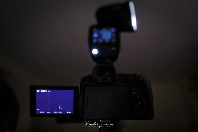Ook het grote scherm heeft last van een donker beeld bij belichtingssimulatie, net als de liveview van spiegelreflex camera's.