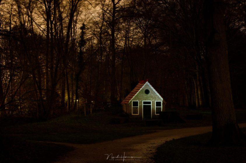 Een wat subtielere verlichting van het kabouterhuis in Velserbeek
