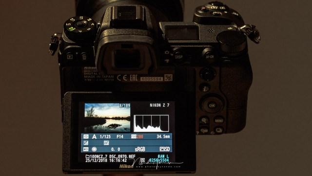 Het beoordelen van een foto zal afhangen van wat je op het scherm ziet. Kies een neutrale beeldstijl voor een goede beoordeling van je foto