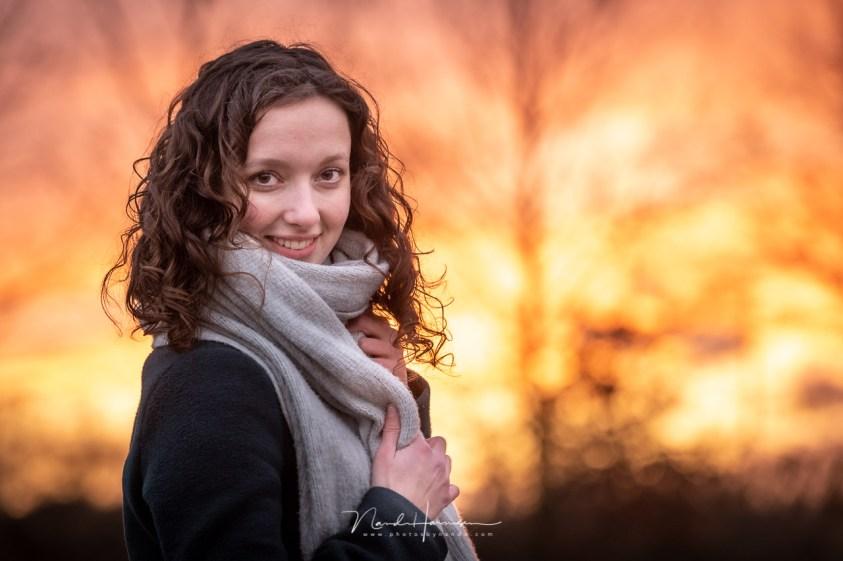 portret van Sanne in prachtig natuurlijk licht