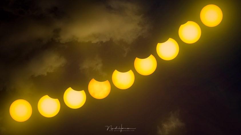 Een collage van de zonsverduistering door nandoonline