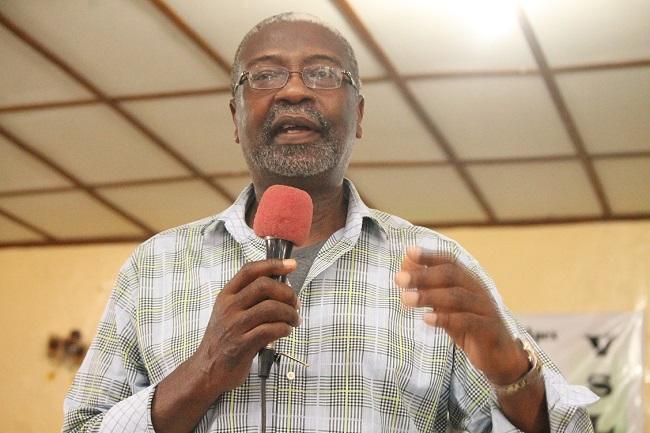 CBL Governor Dr. Jones speaks to fellow Liberian citiznes