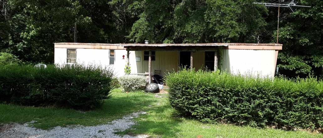 New Albany MS Mobile home fire extinguished