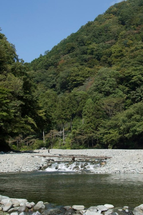 A fishing river near tanzawa where people pay for a spot