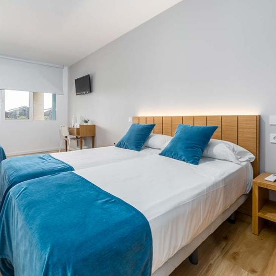 habitación cuádruple hotel valencia puerto