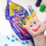 Εικαστικά και παιδί: τρόποι για να ξεκλειδώσουμε τη φαντασία!