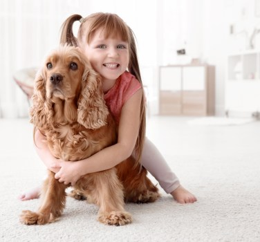 σκύλος και παιδί