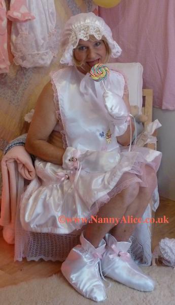 Rocking Chair  ABDL Nursery London UK  Nanny Alices
