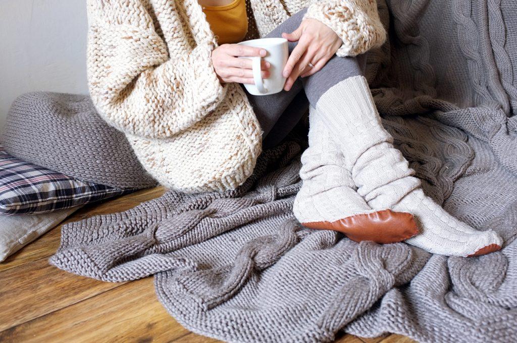 podkolanówki ze swetra diy