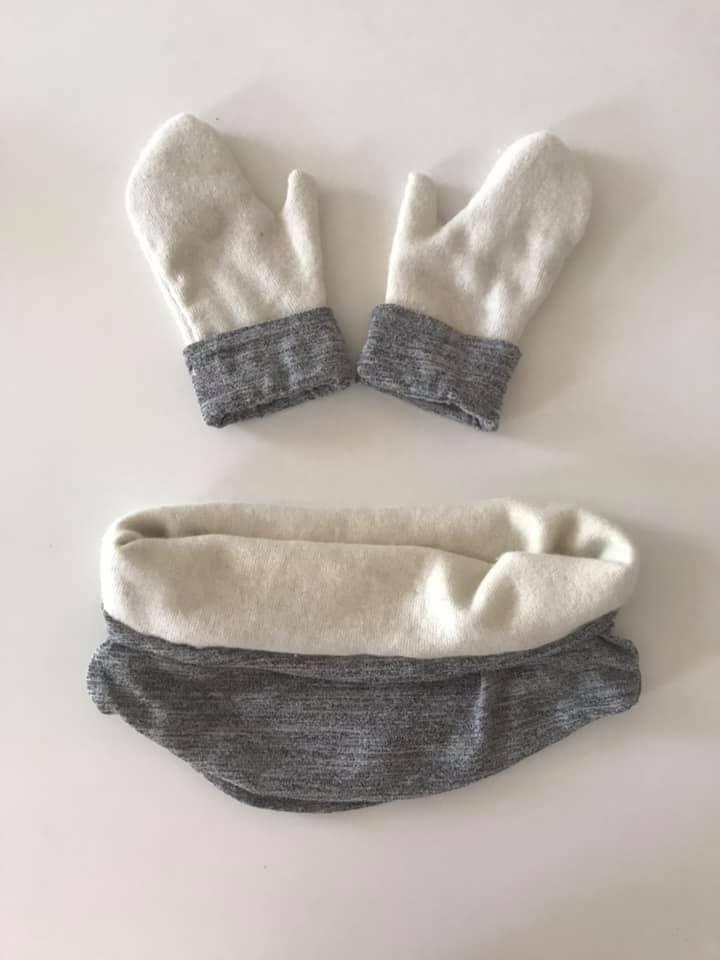rękawiczki i komin ze swetra