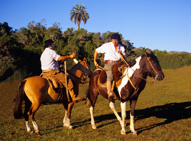 Once out in the countryside, ranches and mounted gauchos (paisanos) are common sights.
