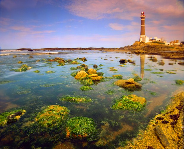 With its relatively long coastlines, the need for such lighthouses to protect navigation emerged early on.